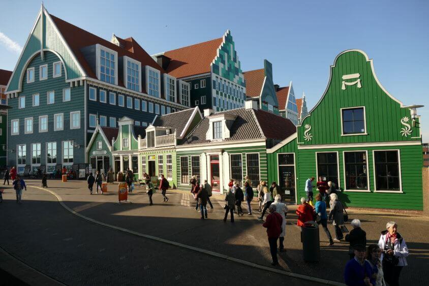 Zaandam: het beeldbepalende stadhuis in het nieuwe stadshart